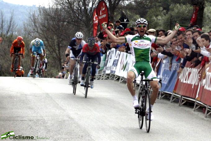 Hivert Gana en Ubrique. Foto: Ciclismo Andaluz