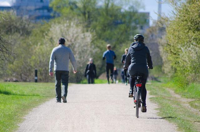 ¿Es obligatorio llevar casco en bicicleta?